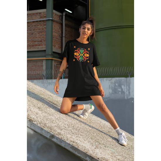 Дамска тениска-рокля с шевица 03