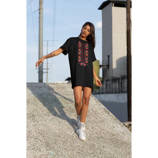 Дамска тениска-рокля с шевица 05