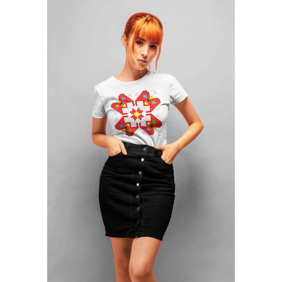Дамска тениска с етно мотиви 11
